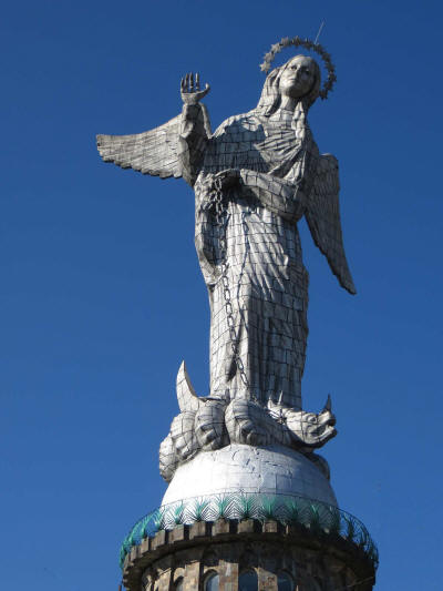 TOP 10 GEHEIMTIPPS QUITO, ECUADOR: Virgin de Quito Statue auf dem Panecillo in Quito
